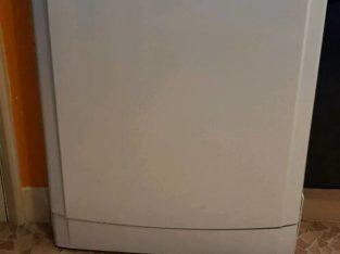 Freestanding Indesit dishwasher