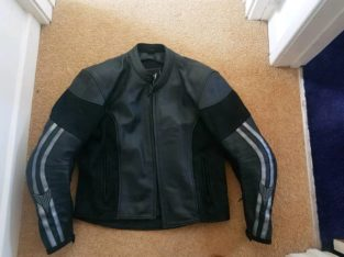 Yamaha motorbike leather jacket with winter liner and spine protector