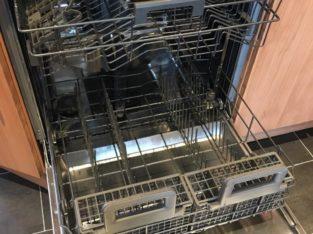 Integrated Whrilpool dishwasher, Used