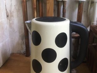 Chic kettle, White and black