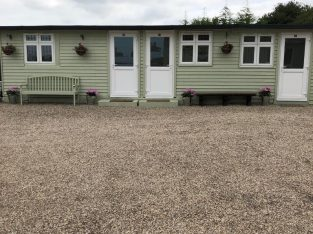 Brand New Unit to let (Wickford)