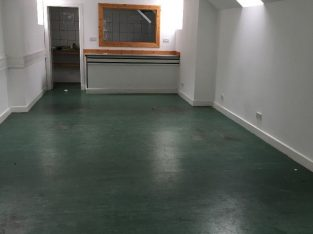 LARGE BRIGHT RETAIL UNIT TO RENT