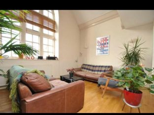 For Sale in Bristol – Stunning school conversion apartment