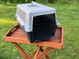 Various sizes Pet Carriers
