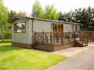 For Sale the cheapest Lodge at this 5 star Golf & Country Club