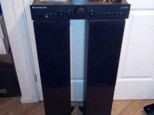 Brilliant Cambridge Audio amplifier with speakers