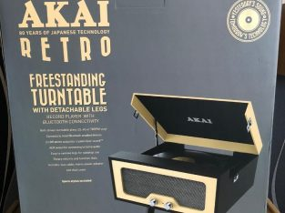 FREESTANDING TURNTABLE – SEALED AKAI RETRO – BRAND NEW