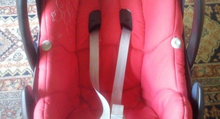 Maxi Cosi Pebble car seat VGC, Red