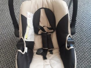 Used but in very good condition Baby car seat – Smoke free house