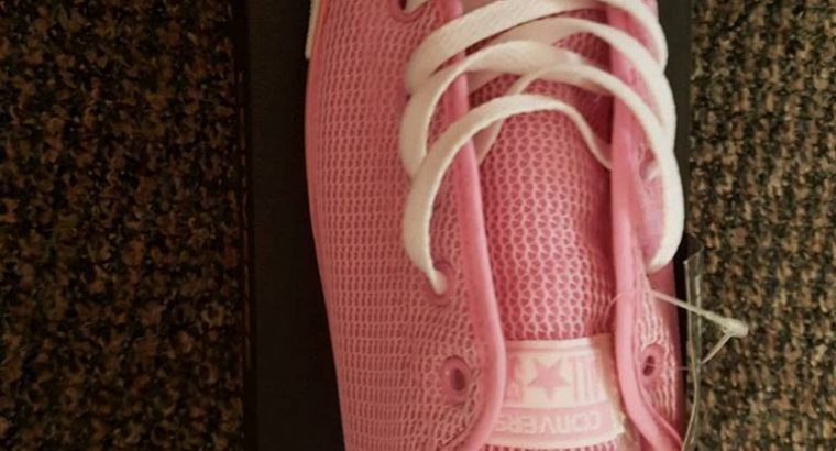 Brand New Ladies pink converse size 8