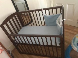 Very good condition Baby cot