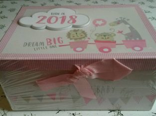 Brand New Baby souvenier 'Girls Born in 2018 keepsake Box, Photo Frame & Album