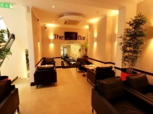 Sspacious and Modern A3 Restaurant/Bar unit for sale