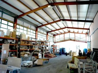 Creative Warehouse- Multi-use, 1,200sqft, 3 Months Rent Free, Parking+Yards