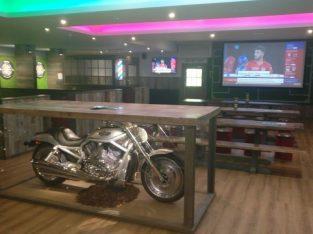 BARBERSHOP unit within a busy Edinburgh Sports Bar