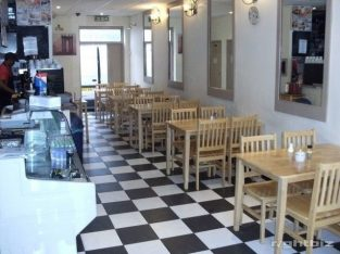 For Rent Cafe, NIL PREMIUM , lock up daytime premises, fully fitted, prime location