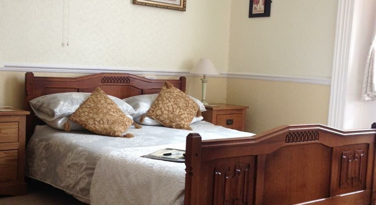 10 bedroomed Quality Cornish Guest House