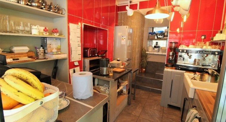 Оutclass § Immaculate Cafe Close to Edgware Road Station