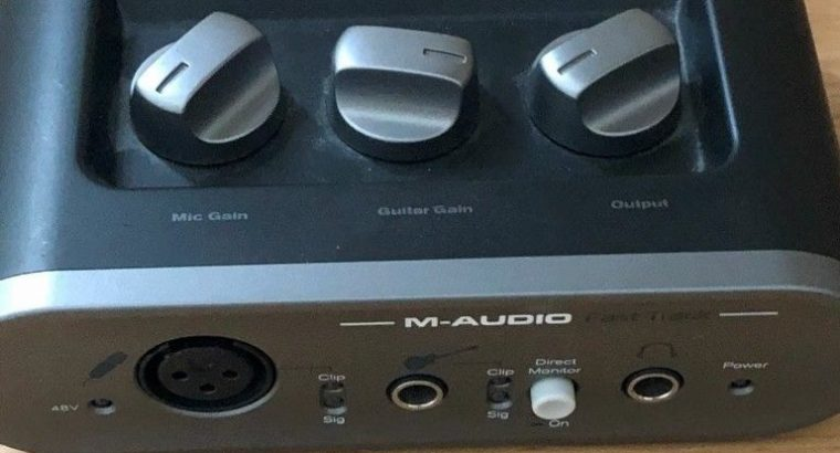 Brilliant sE Electronics se2200 and Behringer c-1 & stands, mounts & M-Audio fast track interface