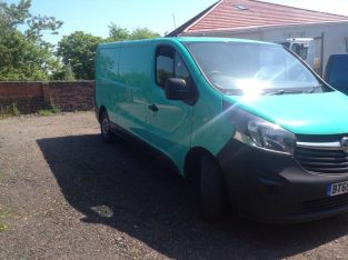 NO VAT VAUXHALL VIVARO NEW SHAPE 65 PLATE