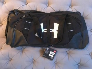 NEW WITH TAGS Men's Under Armour Undeniable 3.0 Medium Duffel Bag