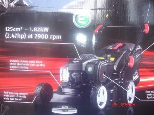 BRAND NEW Petrol Lawnmower With Briggs And Stratton 450e Engine