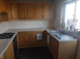 Complete kitchen including all units