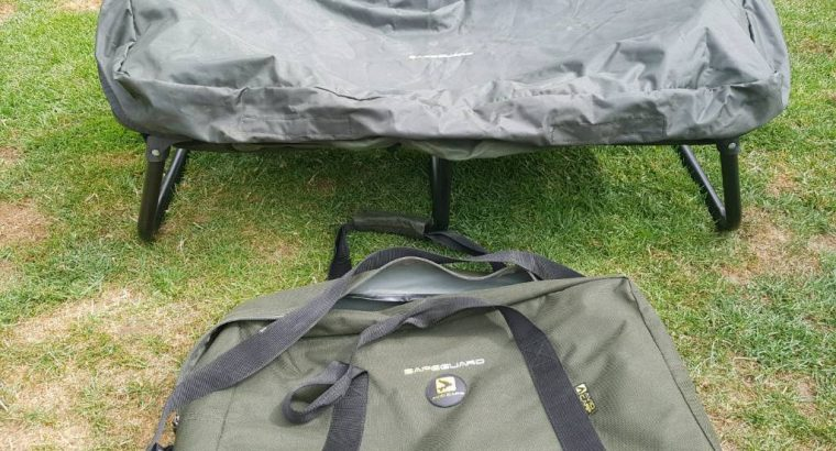 Mint condition Avid carp cradle carp safe