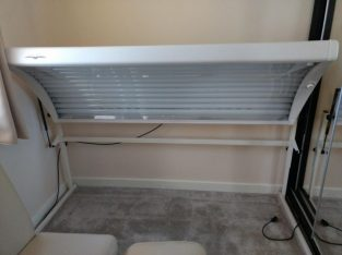 Very good condition Winter Warmer Sun Bed Canopy