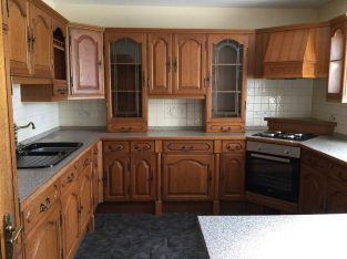 For sale Traditional oak kitchen