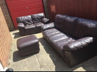 Good condition 2 and 3 seater sofa set with foot stool can deliver