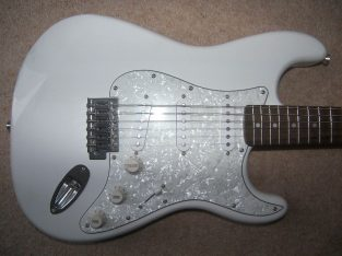 Electric Guitar Fender Squire Stratocaster