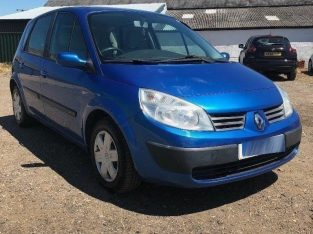 IDEAL FAMILY CAR RENAULT SCENIC 2005 MPV WITH 1 YEARS MOT