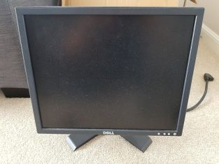 Pc monitor Dell 38cm x 30cm screen