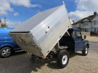 LAND ROVER DEFENDER 110 4X4 TIPPER WITH FORESTRY / ARBOR BODY 2013 13