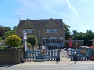 Delightful Tea Rooms Located In Bourton On The Water For Sale
