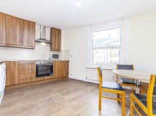 One Bedroom Flat Newly Refurbished Available to Rent in Acton
