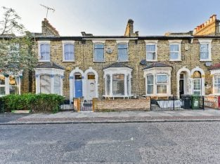 Five bedroom house, near to Surrey Quays station