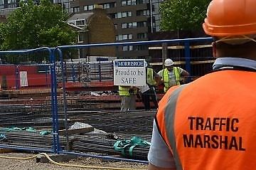 FIRE MARSHALL TRAINING COURSES LONDON – CSCS CARD, TRAFFIC MARSHALL , FIRST AID