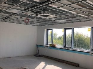 Gang of ceiling fixers wanted