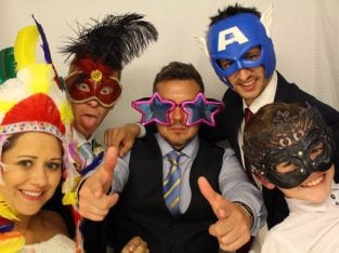 SPECIAL OFFER PHOTO BOOTH & MAGIC MIRROR HIRE