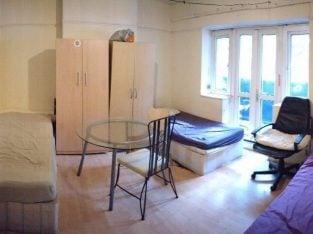 ALL BILLS INC Huge triple room in Bethnal Green