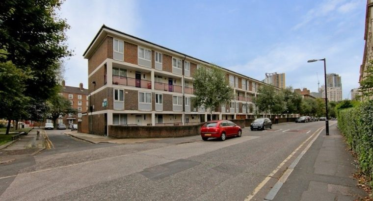 4 BED 2 BATH IN SE1 OFFERED FURNISHED STUDENT DISCOUNT- AVAILABLE SEPTEMBER CALL TODAY TO VIEW
