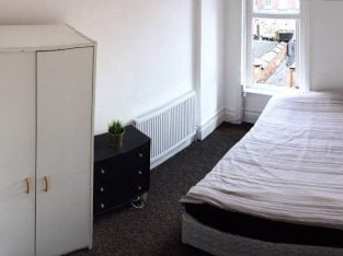 BRAND NEW 1 EXTRA LARGE DOUBLE BEDROOM & 1 SMALL DOUBLE EDROOM WITH BALCONY