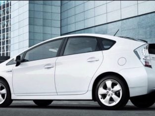 8 SEATERS-MINIMUM DEPOSIT-SPECIAL OFFER – PCO CAR HIRE-RENT-HYBRID AUTOMATIC-TOYOTA PRIUS-PLUS