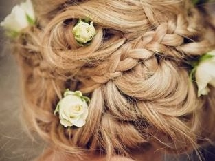 Bridal Hairstylist and Makeup Artist Freelance (20 years experience) available for your Wedding day