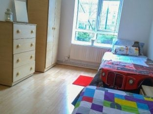 Twin Room in Stockwell