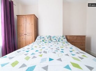 Lovely Double Room in Flat near Norwood Junction Station