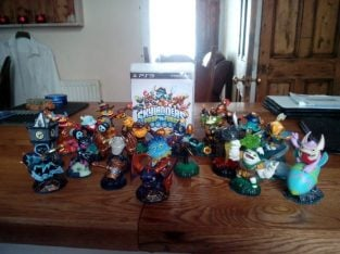 For Sale Disney Infinity & Skylanders (various) Portals, Discs and Figures (XBOX 1 & PS3)