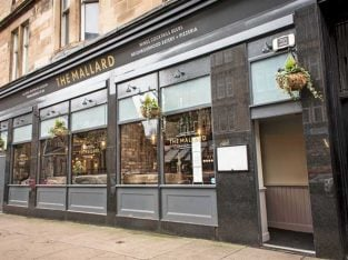 Buy a Stunning Bar/restaurant Opportunity In Glasgow's West End